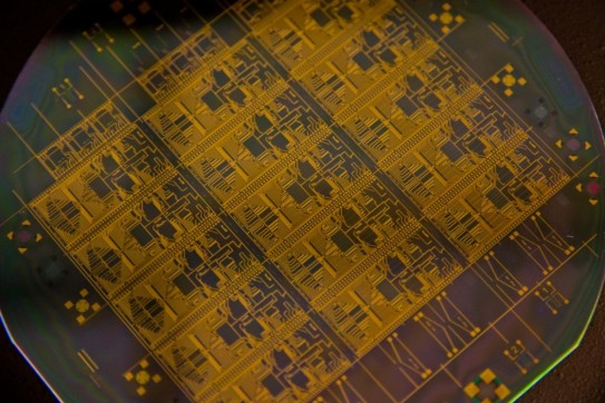 Integrated microwave photonic circuits